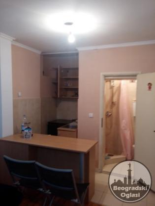 CENTAR garsonjera 20 m2 nameštena Francuska 35