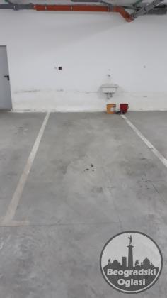 Izdaje se Garažno mesto na Autokomandi