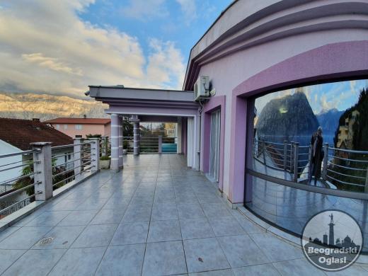 Najbolija ponuda u Kotorskom zaljevu. Vila s bazenom i saunom - 350.000 eura