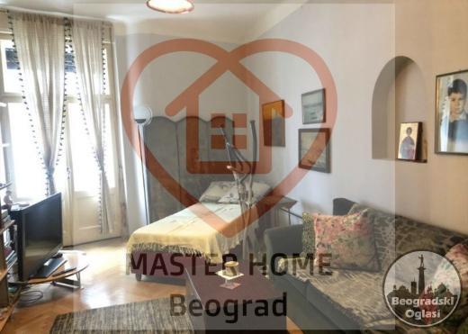 SKUPŠTINA,Renoviran,Salonski,Uknjižen stan na odličnoj lokaciji,Preporuka