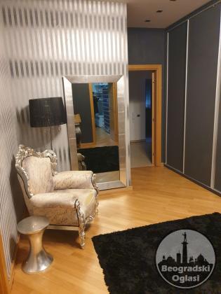 Dedinje, novija lux gradnja, 2 garažna mesta, sauna, đakuzi
