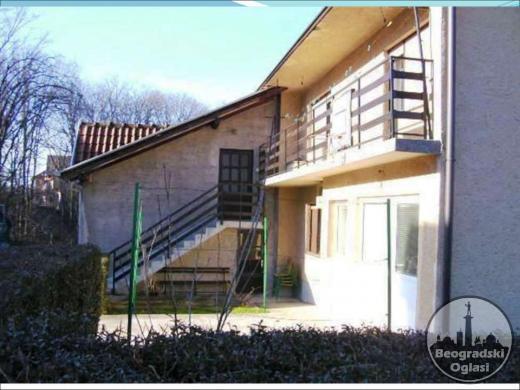 Prodaja  Kuća 285 m2  cena 70 000e Loznica