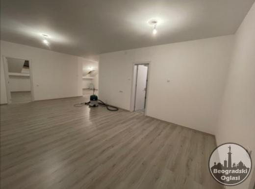 Prodaja komfornog trosobnog stana uknjizenog na 84 kvadrata