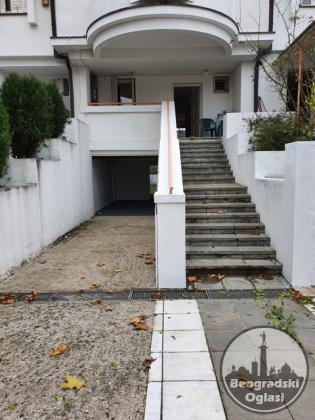 Kuća 260m2 Filmski grad Ilije Stojadinovića