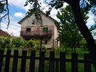Porodična kuća sa prelepim dvorištem
