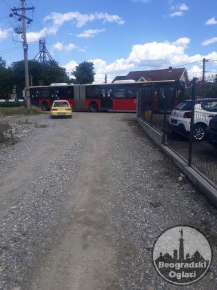 Građevinski Plac do glavnog puta u Surčinu