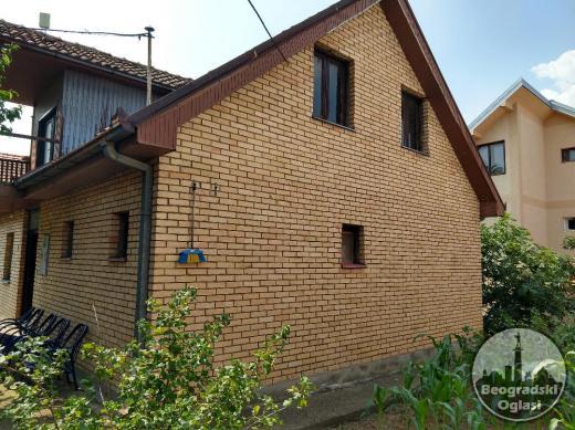 Kaluđerica,  UKNJIŽENA kuća 150 m2 +garaža 50 m2 na placu 4,5 ari POVOLJNO